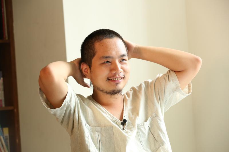 政務委員唐鳳的弟弟唐宗浩,涉嫌強吻4歲女童,遭女童家長提告。