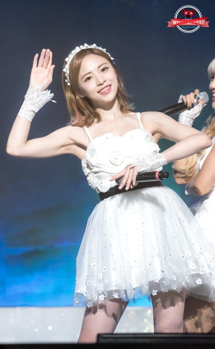 OH MY GIRL成員JinE暴風減肥瘦了8公斤,厭食症持續的狀態,讓公司決定以她健康為重,暫停工作。(圖片來源:Dispatch網站)