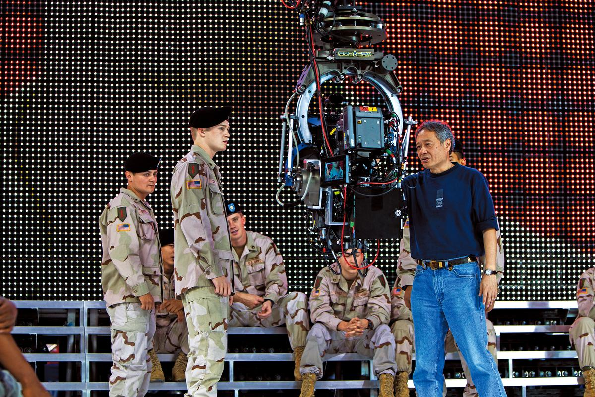 《 比利‧林恩的中場戰事》用了領先當代技術的超高規格拍攝,李安也被外媒稱讚「拓展了電影的邊界」。(双喜提供)