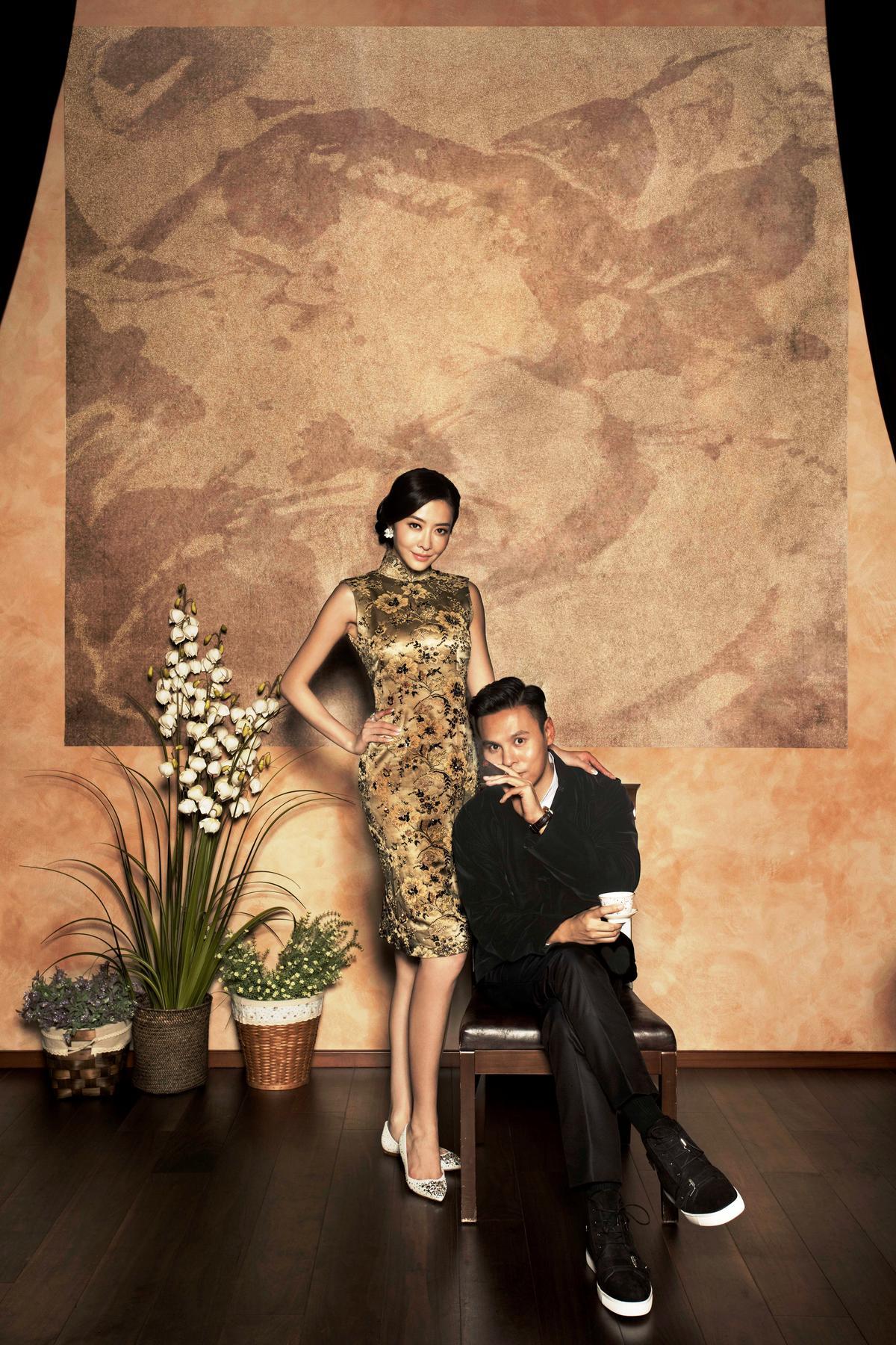 穿著金色旗袍,熊黛林笑言:「我找到自己的葉問啦。」