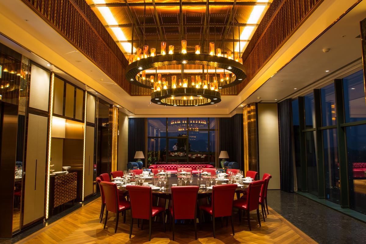 國內外聯銷的「京城」,單坪均價78萬,是蔡天贊的代表作。(京城建設提供)