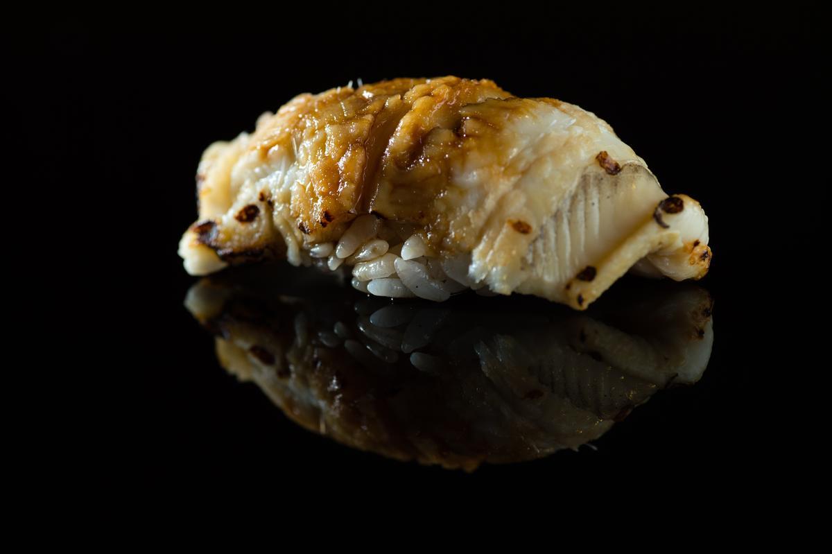 星鰻握壽司(午間套餐1,500元)