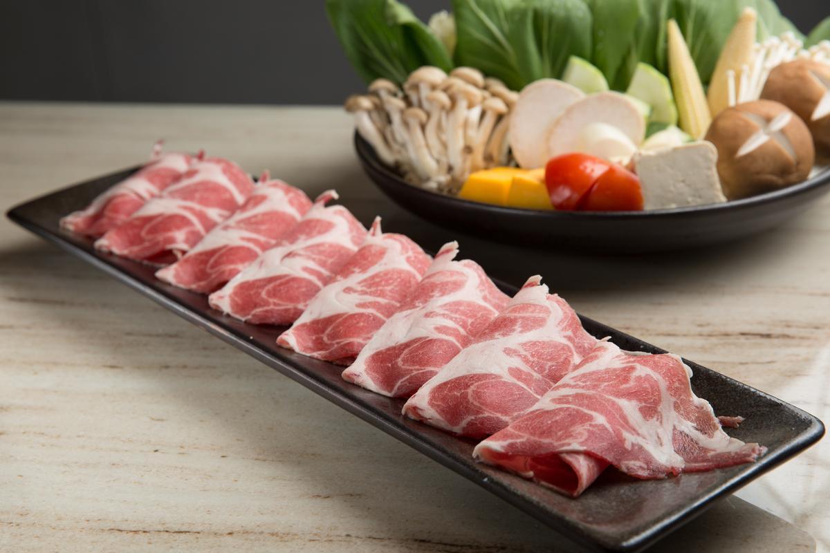 「伊比利梅花豬」讓不吃牛的饕客亦能吃到頂級肉品。(1,080元/份)