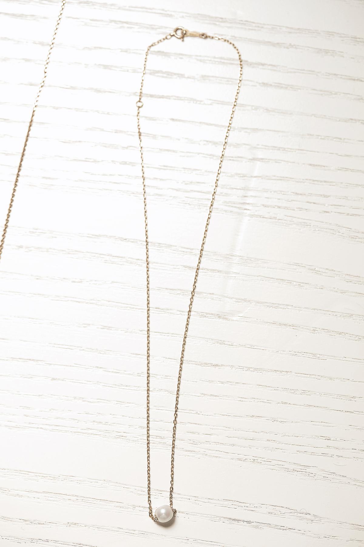 項鍊,MIKIMOTO單顆珍珠項鍊。約NT$10,000