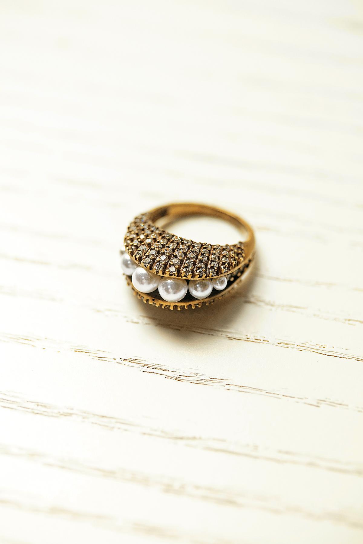 戒指,YUN YUN SUN的珍珠戒指。NT$3,280