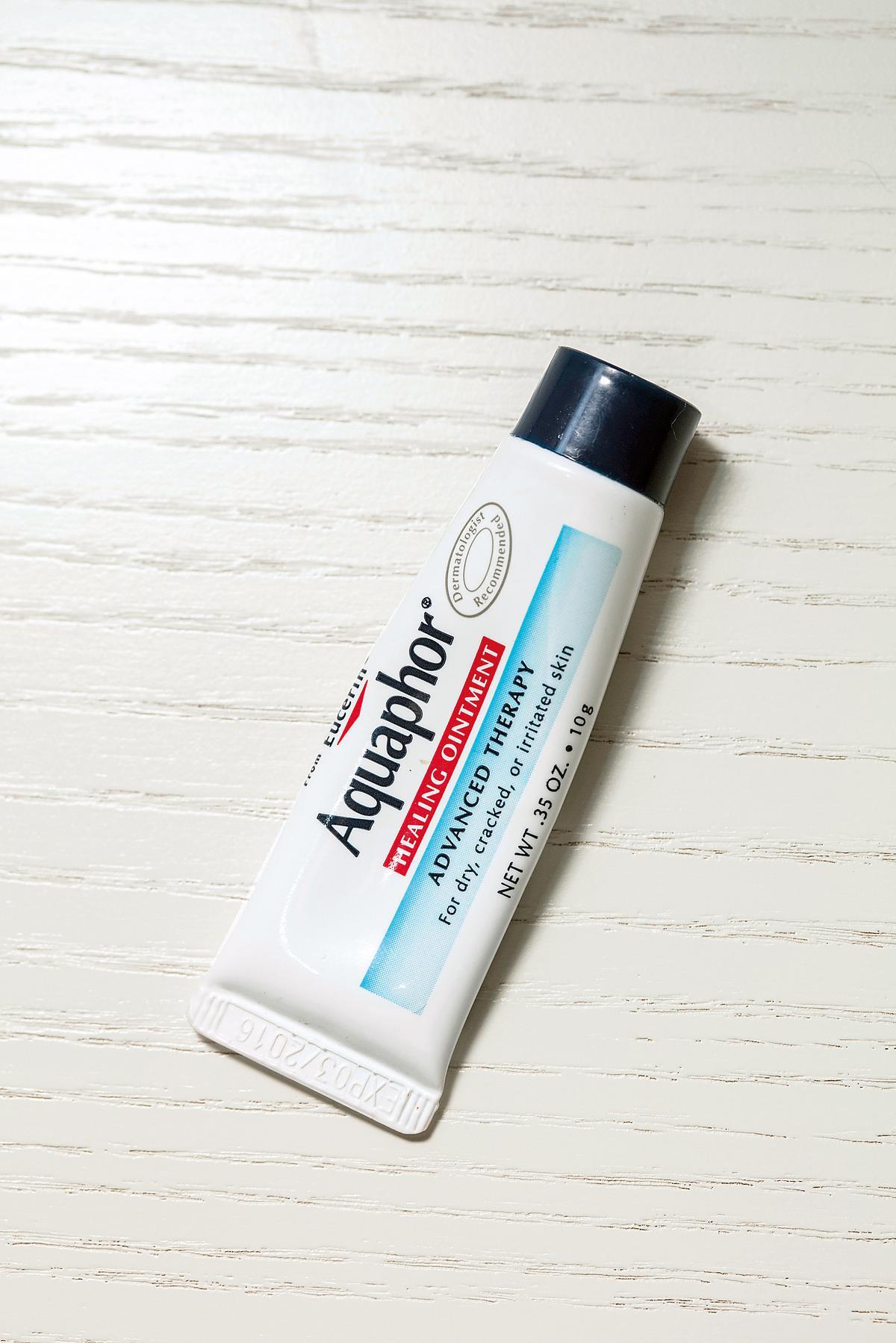 美國買的Aquaphor護唇膏,超濕潤。約NT$250
