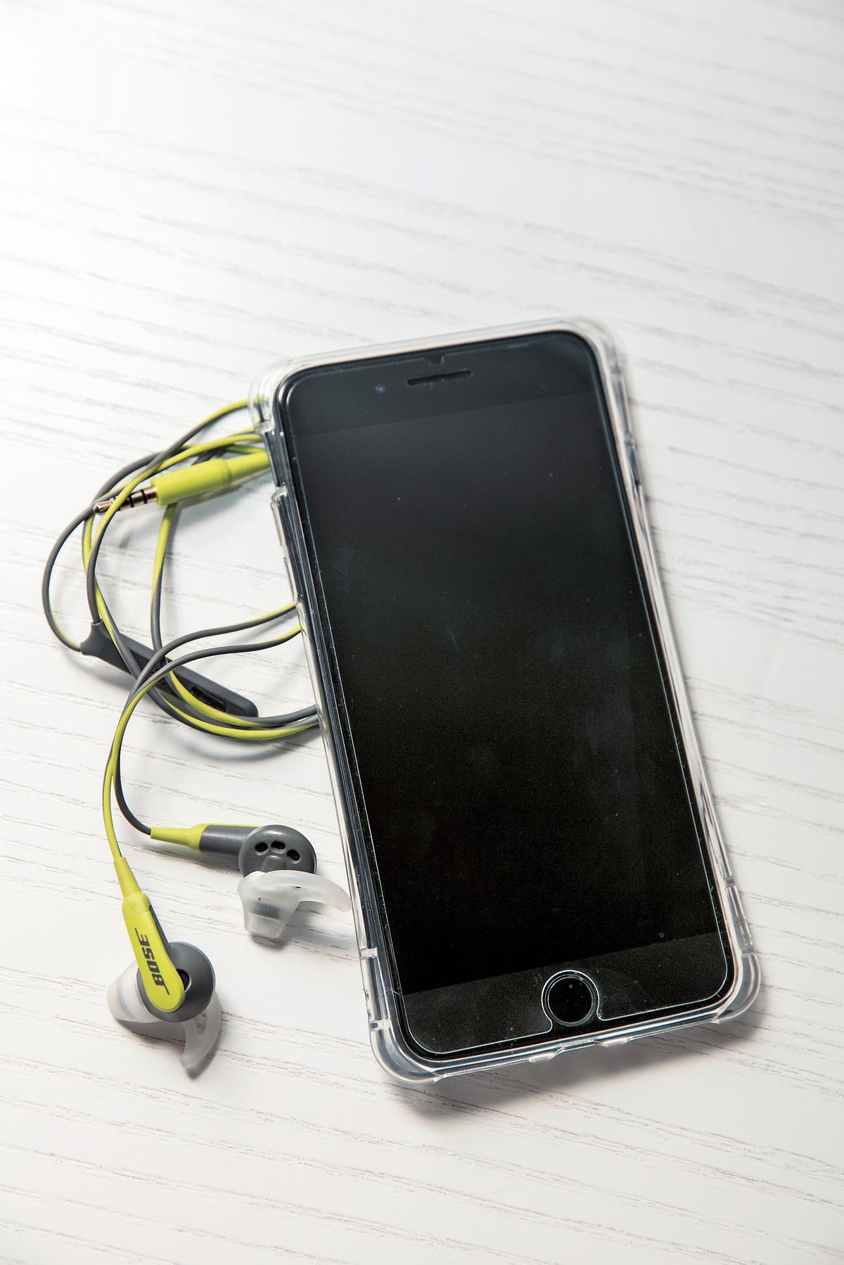 工作上常拍影片,大容量的iPhone 7曜石黑256G手機,很實用。NT$36,900