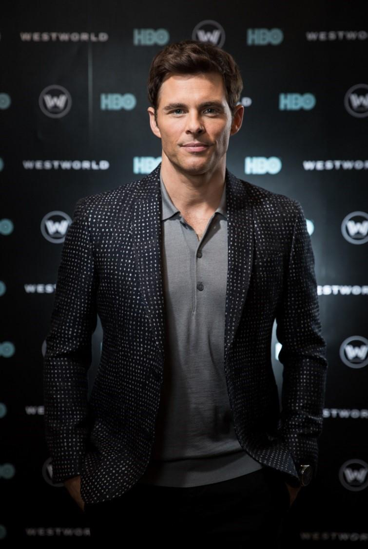 難得回歸小螢幕的好萊塢男星詹姆斯馬斯登,到新加坡宣傳影集《西方極樂園》完結篇。