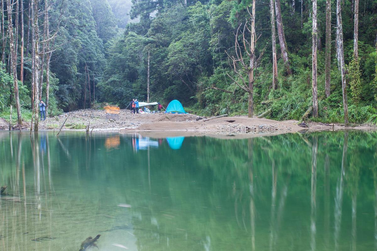 沒有山屋,必須搭營過夜。