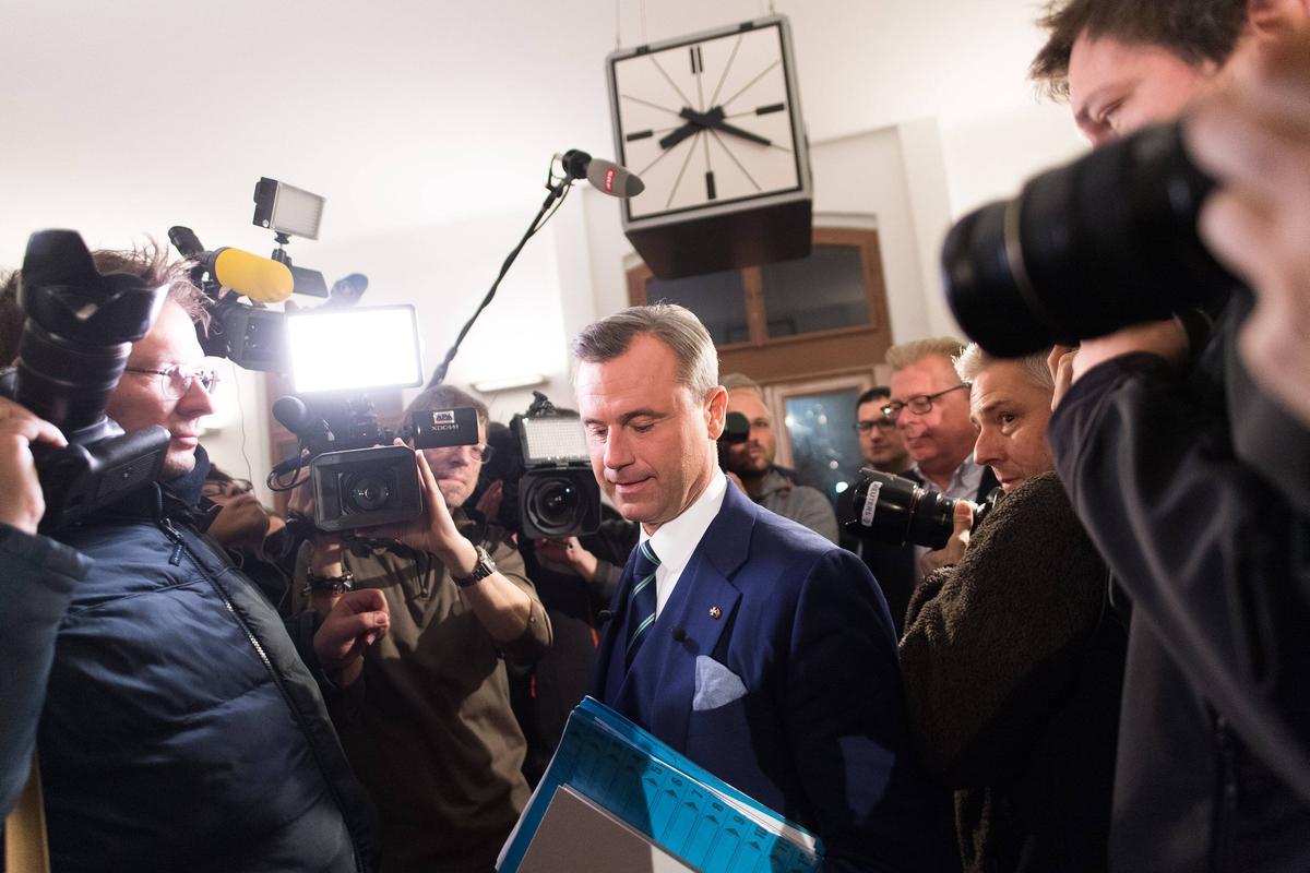 12月4日,奧地利自由黨總統候選人霍佛可能成為歐洲第一個極右派國家元首。(東方IC)