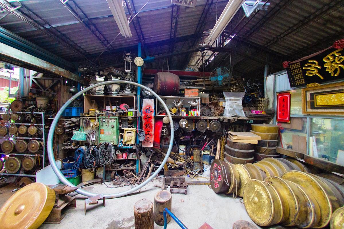 今年10月朱宗慶打擊樂團在德國柏林音樂廳演出,就是帶著林午鐵工廠的銅鑼驚豔世界。
