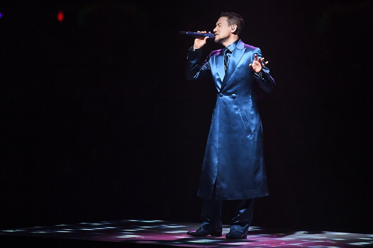 張學友世界巡迴演唱會在香港開唱,場面華麗熱鬧。