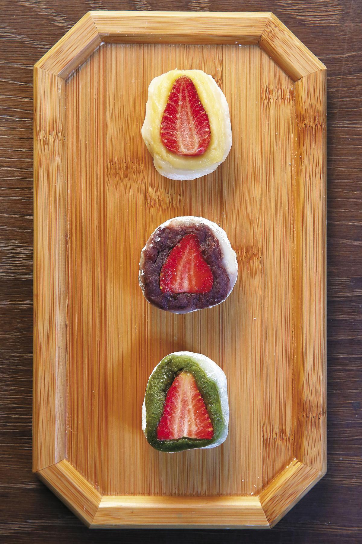 招牌草莓大福不只可搭紅豆餡,還能客製化換成奶油或抹茶餡。(80元/個)