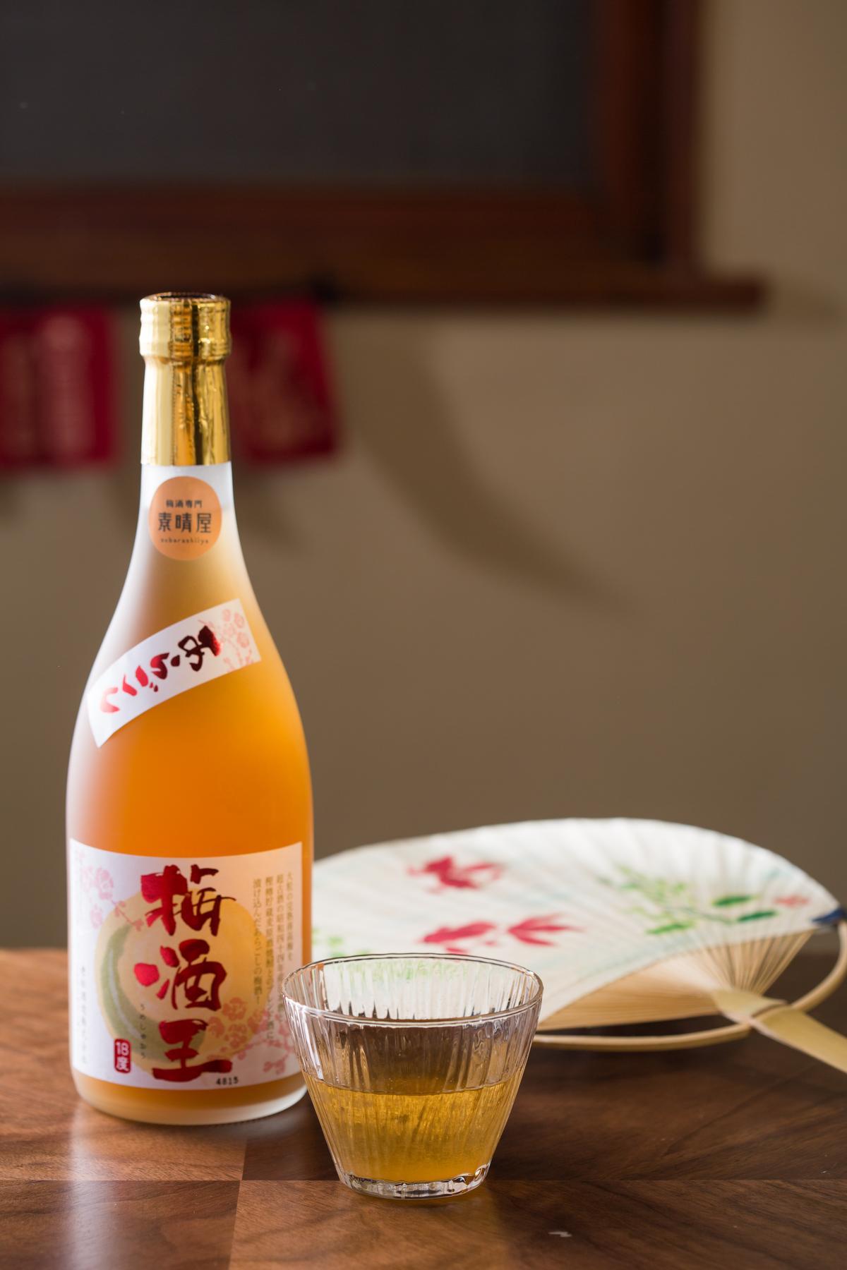「梅酒王」的酒精度高達18%,濃烈但有層次。(1,350元╱支、220元╱杯)