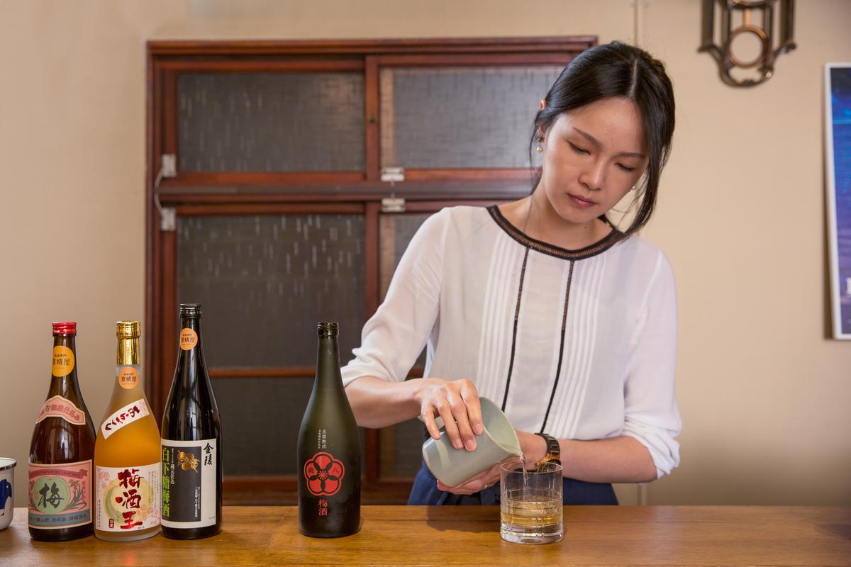 店長許芸芸表示,濃度高、底韻醇厚的梅酒最適合湯割。