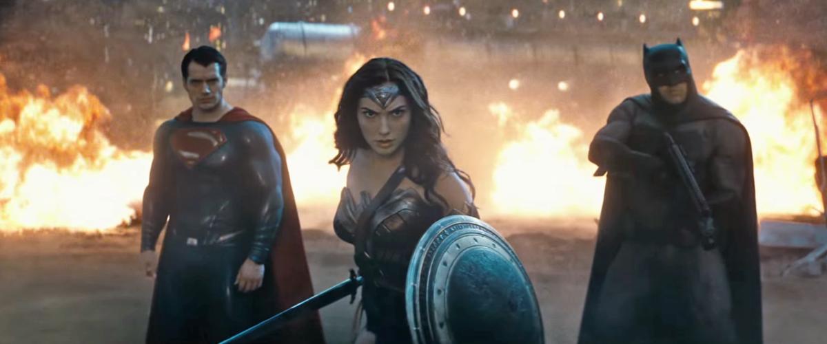 《蝙蝠俠對超人》被寄予厚望,可惜賣座不如預期,反而是飾演「神力女超人」的女星蓋兒加朵因而走紅。