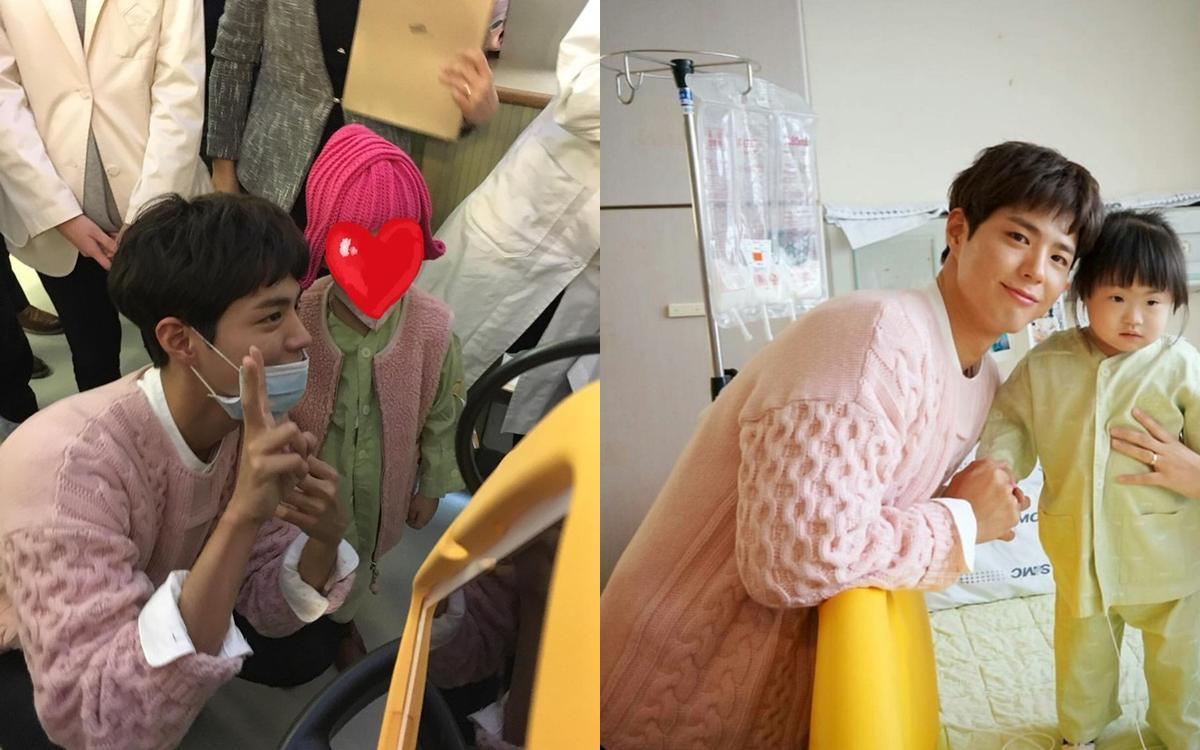 朴寶劍到首爾三星醫院與病童一一合照,像鄰家大哥哥般親切。
