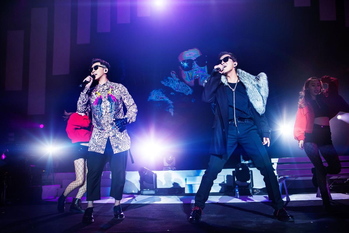 品冠演唱會找來陳曉東擔任嘉賓,兩人大飆經典〈心理遊戲〉。