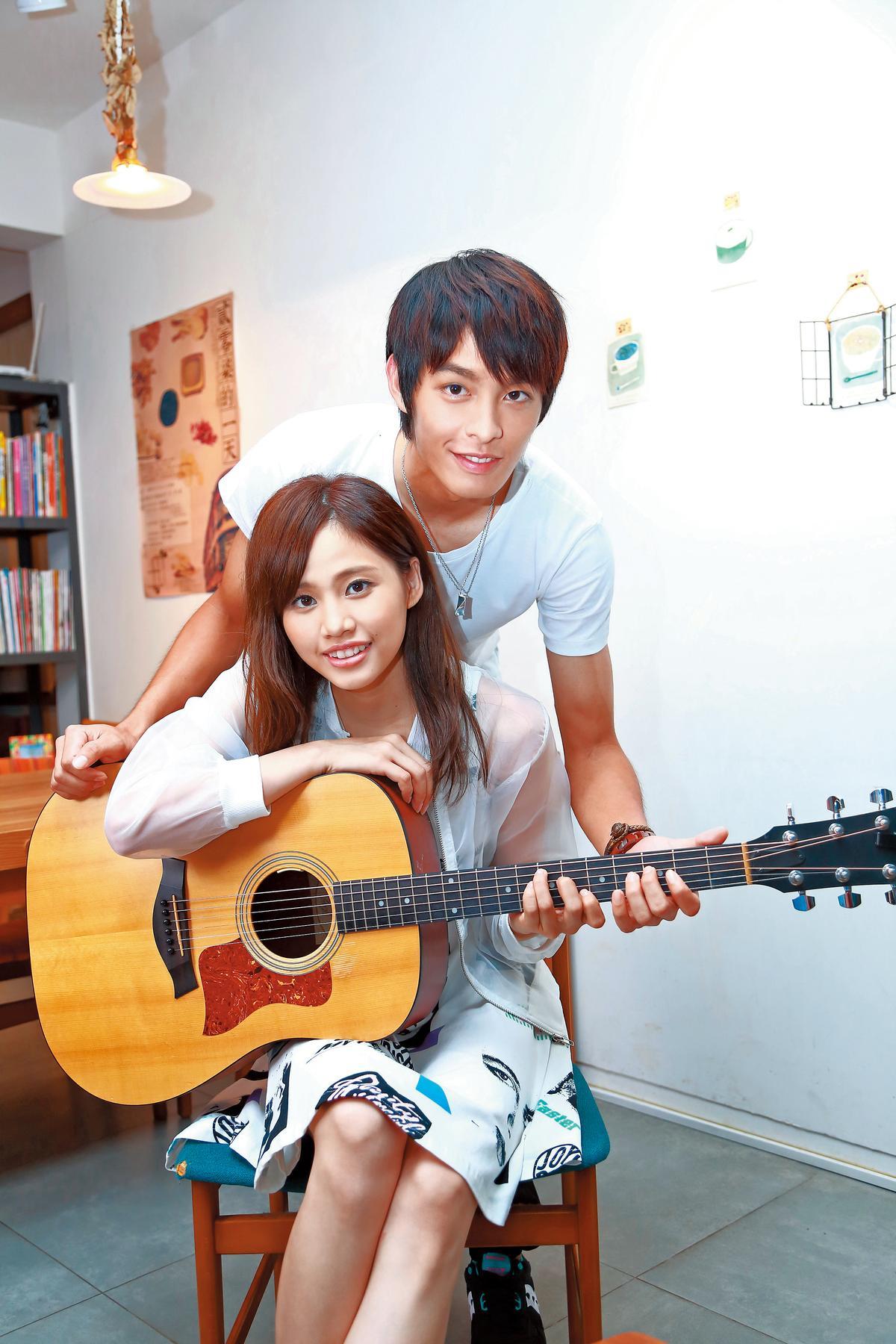 曹佑寧曾在吳汶芳歌曲〈不讀不回〉MV中擔任男主角。(東方IC)