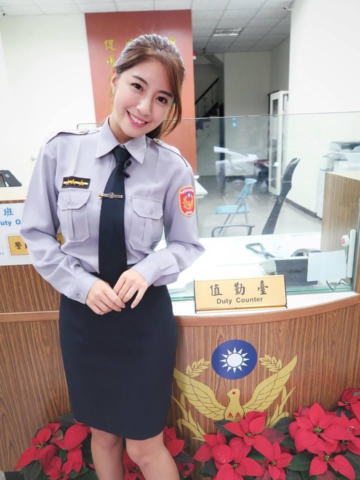 辜莞允化身俏女警,被讚「警界最美身影」。