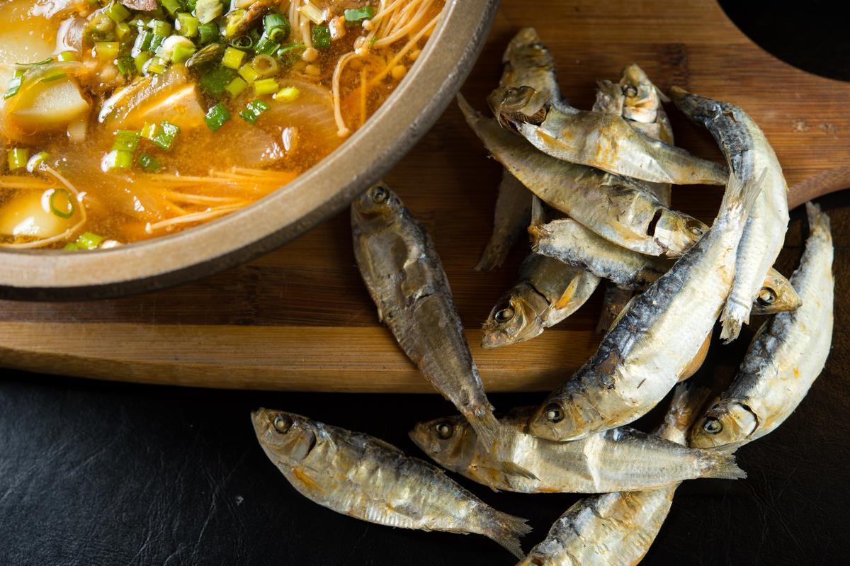 特別從韓國進口魚乾,是湯頭鮮美關鍵。