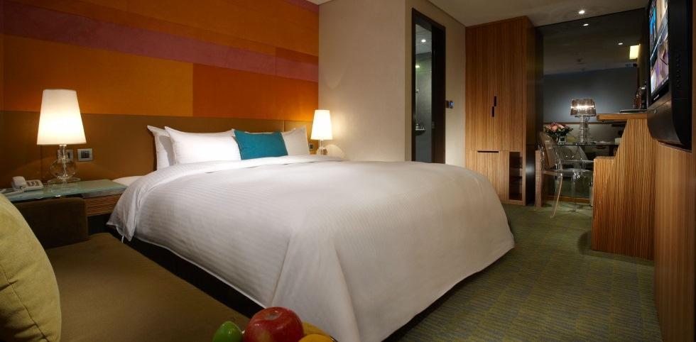 據查,炎亞綸跟嫩男一起上的精品旅館,2小時休息價約在680元到880元之間,CP值算高,網路評價不錯。