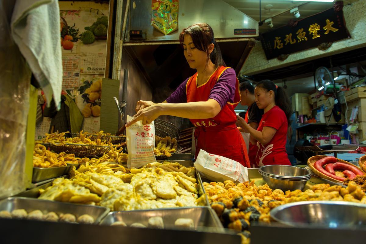 「大豐魚丸」是東三街市場的名店,每日新鮮現做火鍋料。