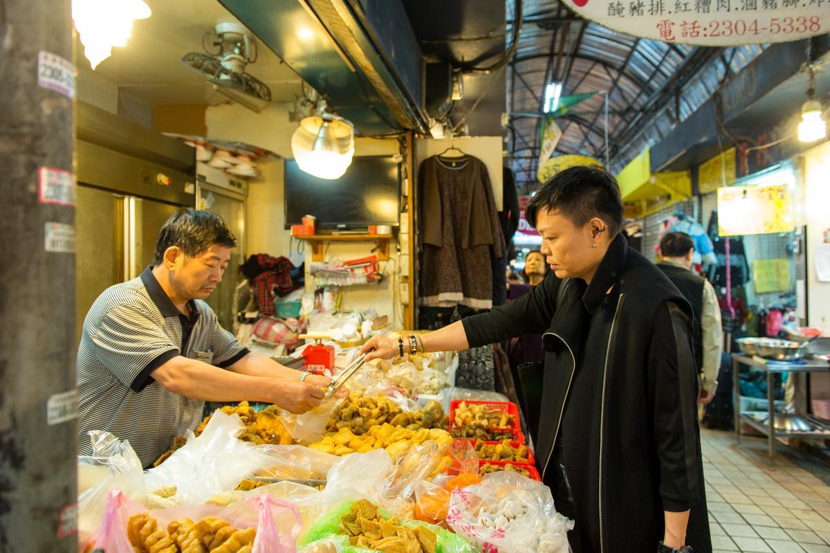 三水街83號的「豆皮專賣店」是李姝慧的囤貨名單之一。