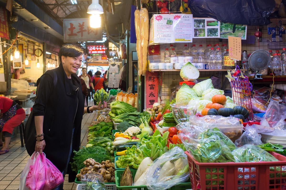 李姝慧是傳統市場達人,東三水街市場是她每週固定採買點。