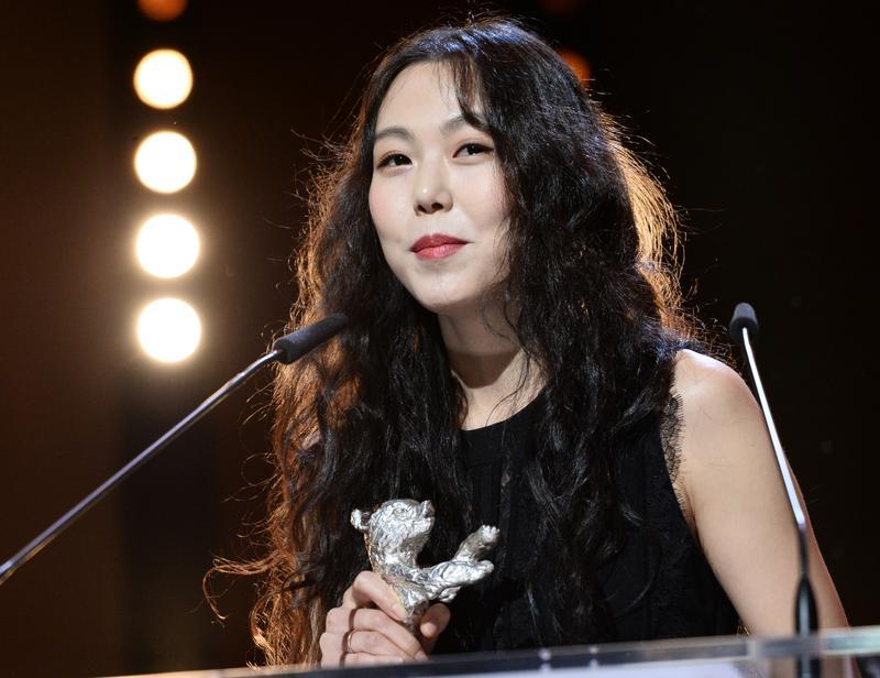韓國女星金敏喜,以《夜晚海邊獨自一人》,拿下柏林影后。(翻攝自Naver)