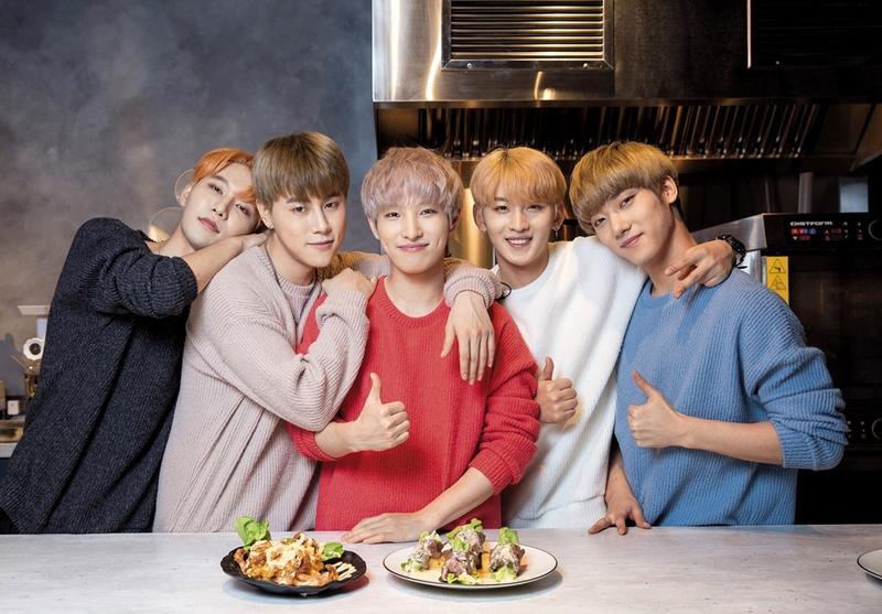 來自韓國的「UNIVERSE世界少年」,平均22歲的5個大男孩,在台灣出道並長住3個月,一步一腳印累積人氣。