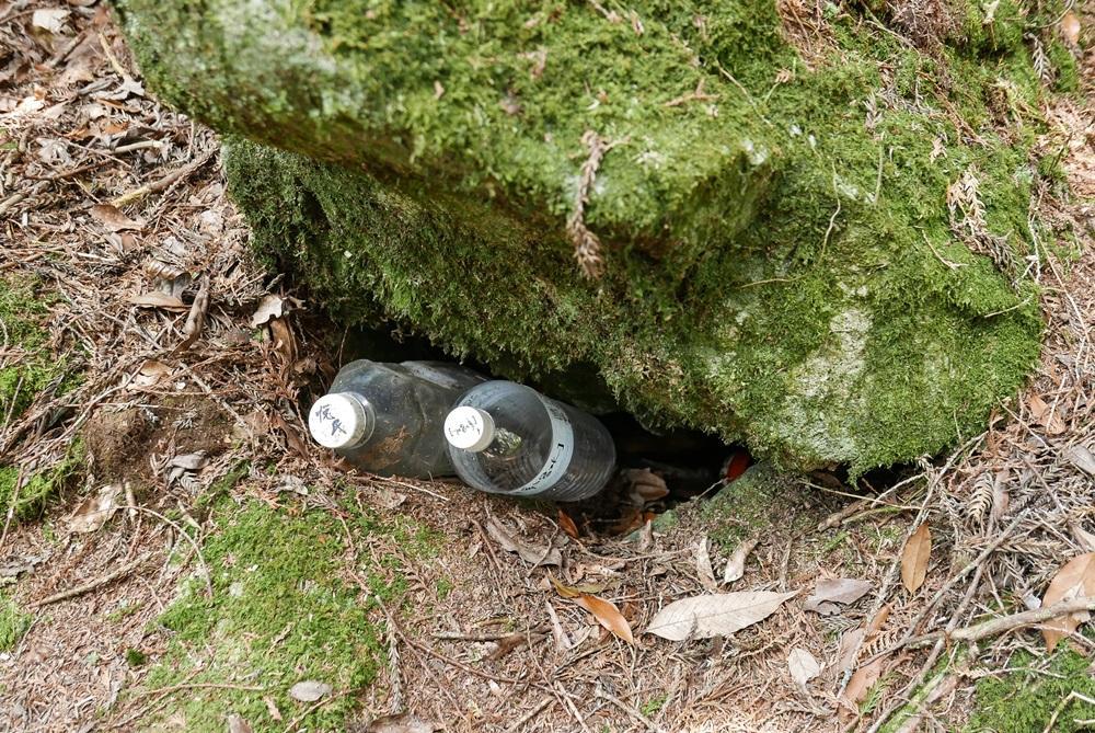 請落實無痕山林,水都揹上來了,空罐帶下山應該很輕鬆。