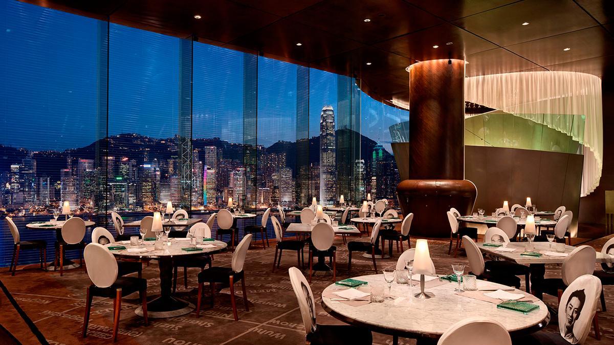 菲利浦‧史塔克是國際知名的設計師,經典作品包括香港半島酒店Felix餐廳。取自半島酒店官網