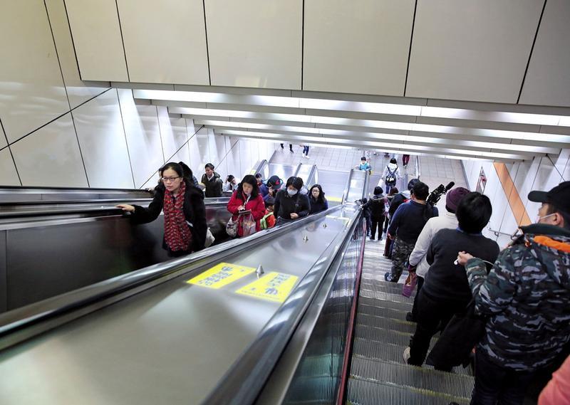 捷運中和線景安站的電扶梯,由台灣通力公司得標。