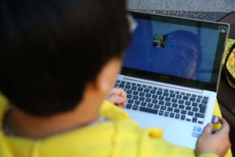 施男被網路霸凌已久,他公開希望網友不要再霸凌他。