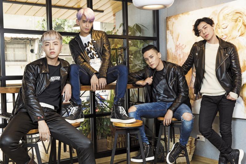泰坦有成員會自己創作詞曲,希望能走出別於韓團的特色。