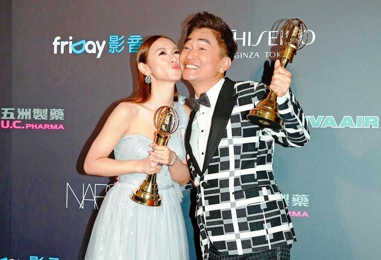 綜藝天王吳宗憲與女兒Sandy吳姍儒父女檔以《大明星小跟班》節目拿下51屆金鐘獎最佳綜藝節目主持人。