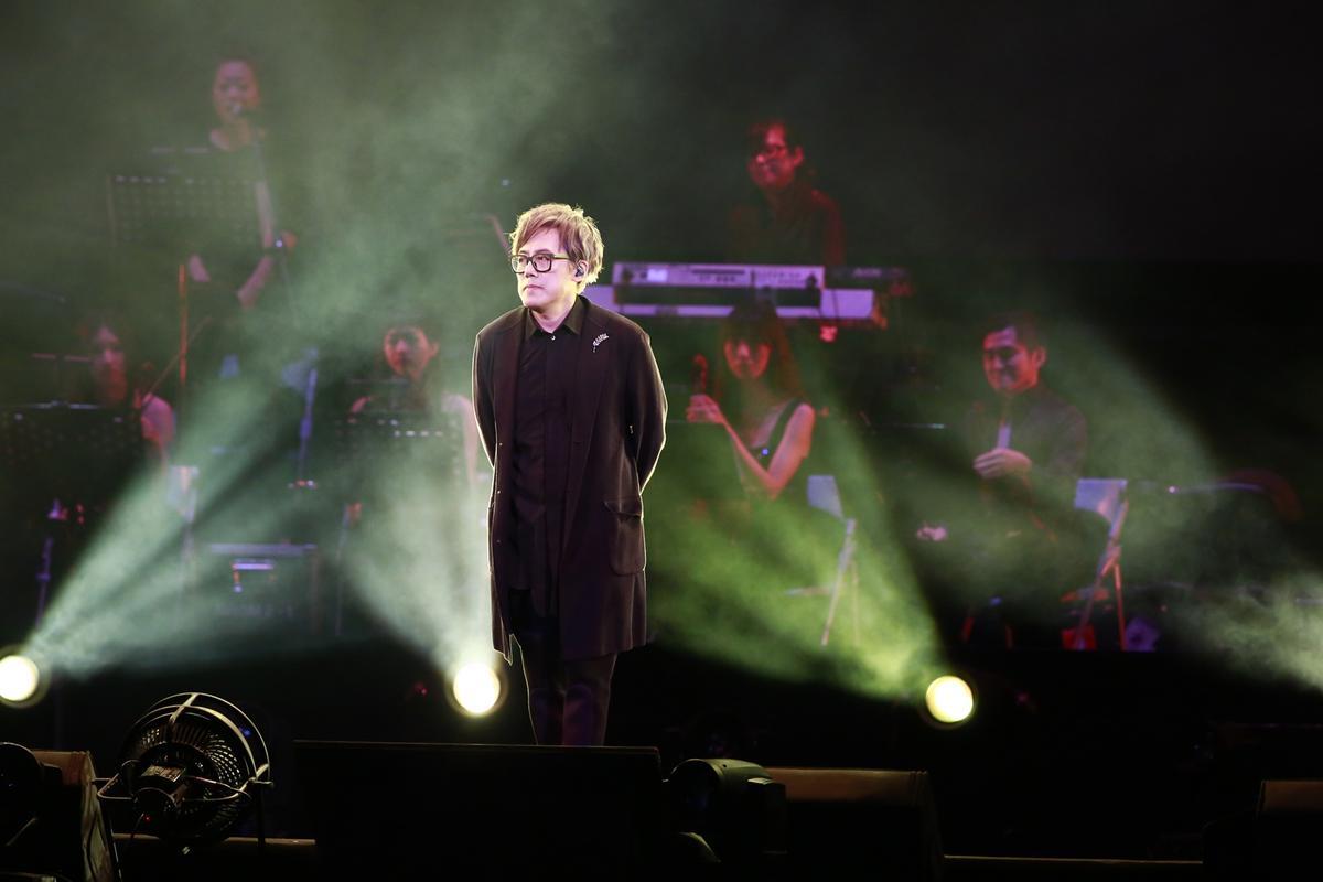 張宇除了演唱,還在台上大開袁惟仁玩笑。