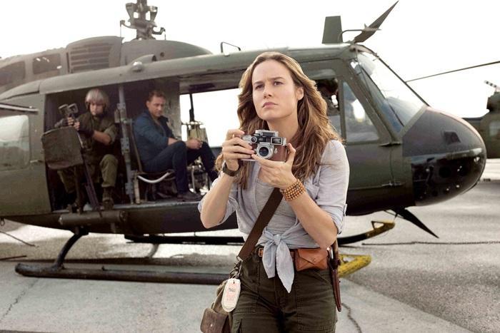 奧斯卡影后布莉拉森飾演戰地攝影師威佛,是探險隊唯一不拿槍的反戰分子。