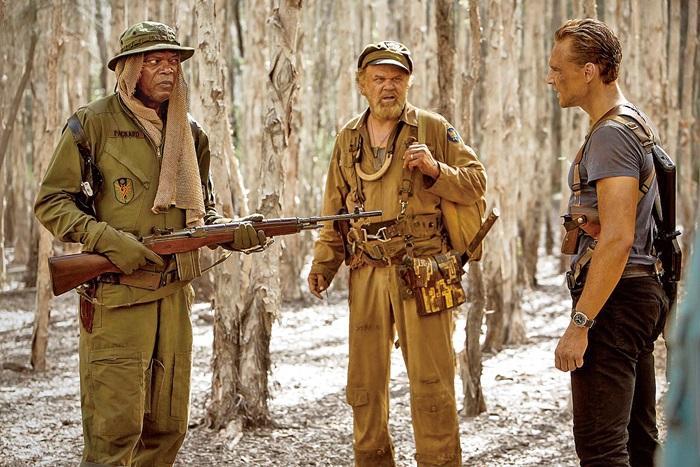 湯姆希德斯頓(右)在電影中與山謬傑克森(左)有多場精彩對手戲。