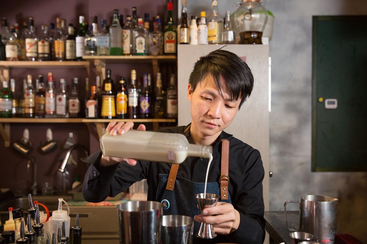 調酒師張國偉以大稻埕元素翻玩調酒,風味平衡順口。