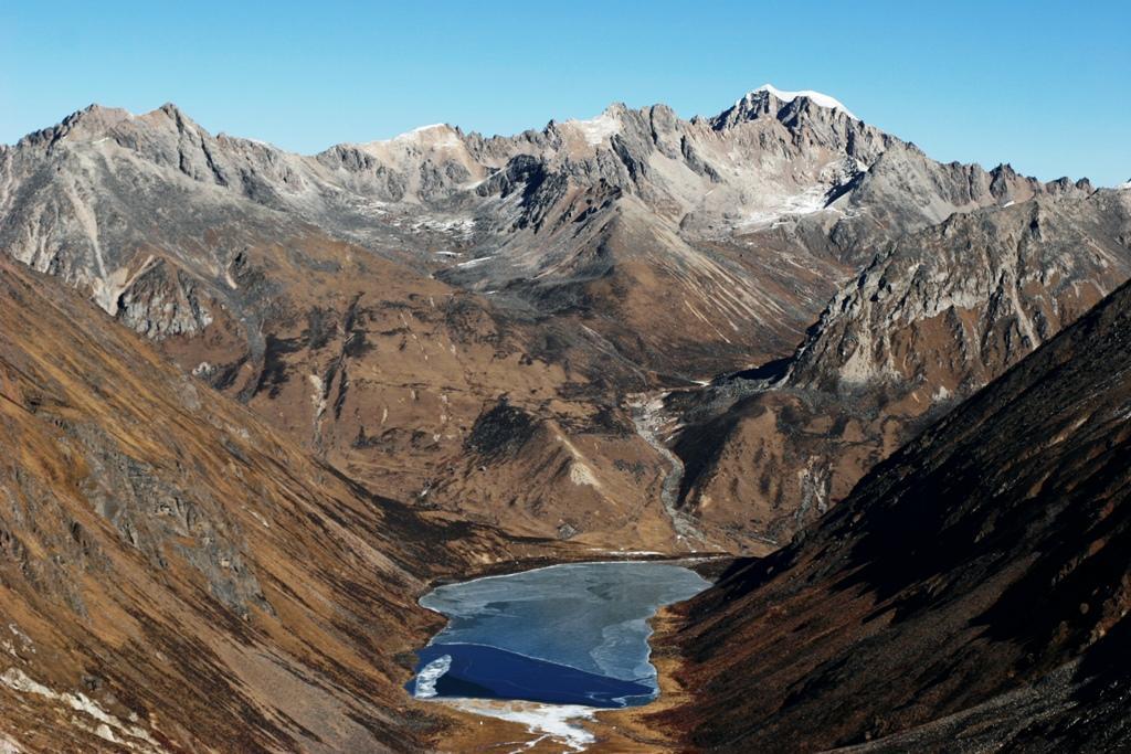 西藏拉姆納錯,相傳是達賴喇嘛看轉世的神湖。