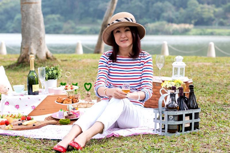 品酒職人李素溶熱愛大自然,享受英式野餐小酌。