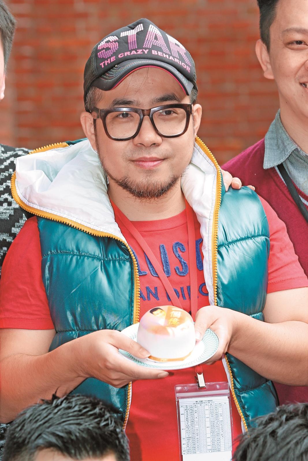 導演吳星翔面對爭議,認為電影只是真實呈現部分同志的生活。