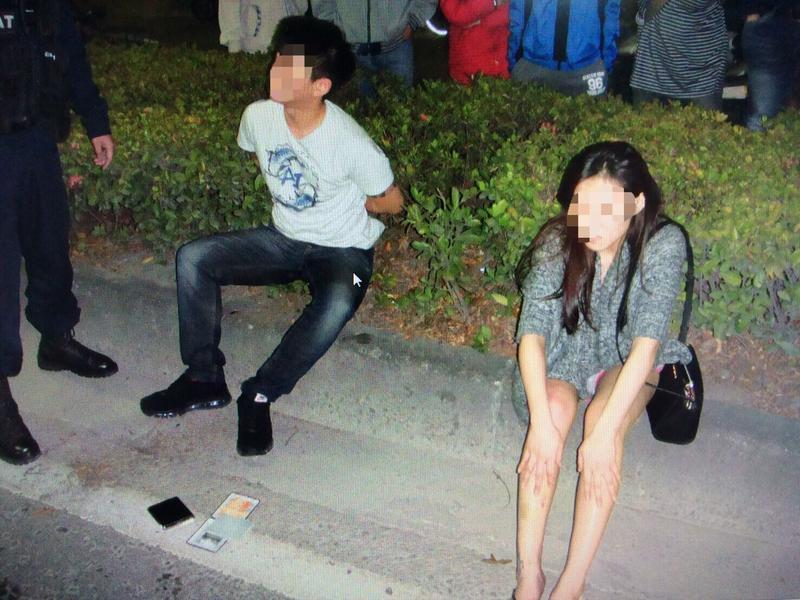 建築公司黃姓小開,與網拍認識的王姓女友南下買眼鏡順道吸毒,遭警臨檢逮獲。
