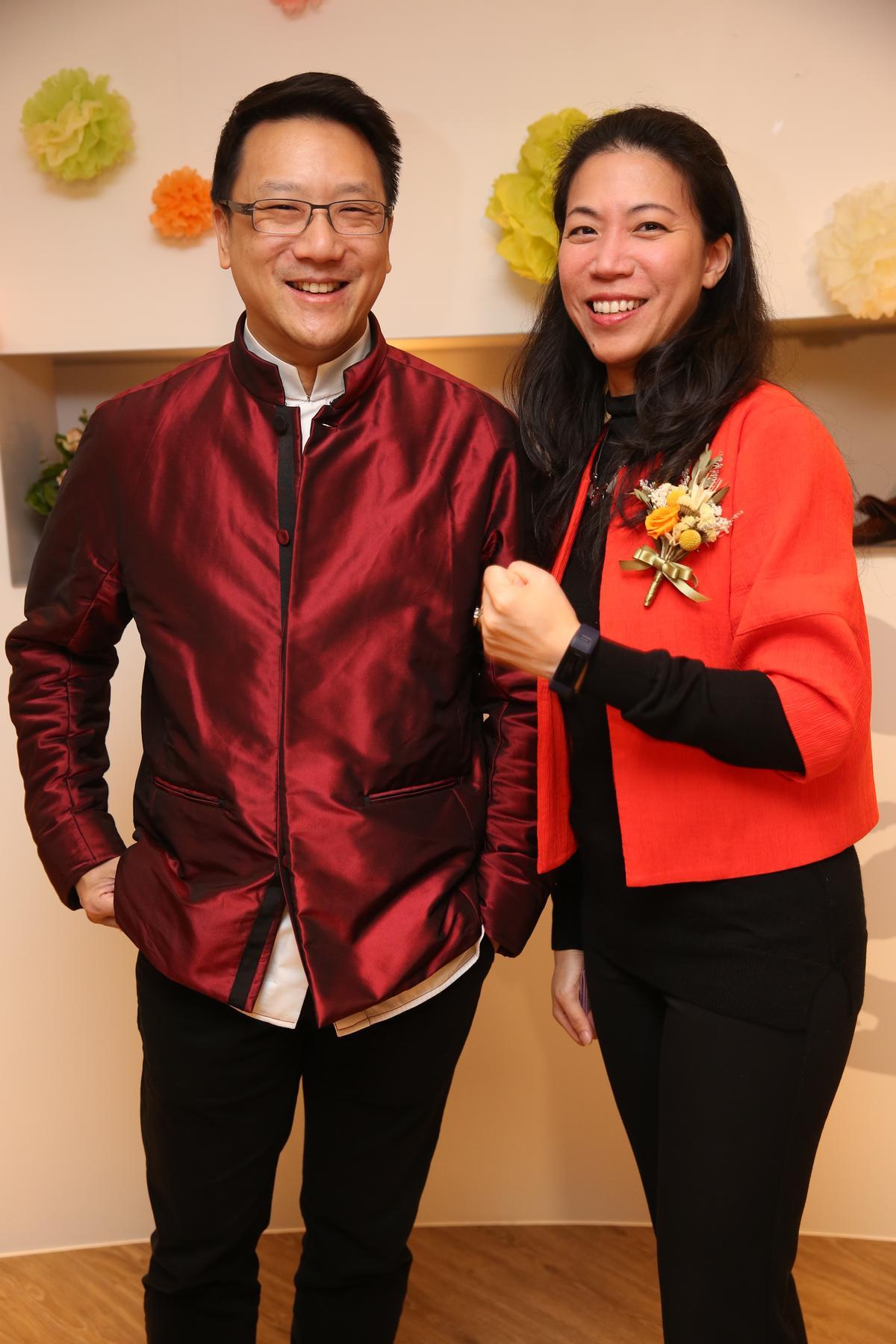 嘉泥董事長張剛綸與嘉泥執行副總經理暨嘉和董事長王立心是表兄妹,2013年起推動老牌水泥集團轉型。