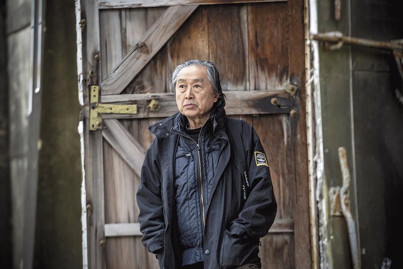 張照堂74歲了,左眼雖因病變已無法聚焦,但想尋找好景的飢餓感始終存在。