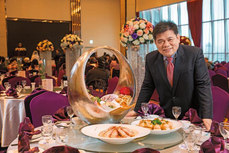 林志成國中畢業就投身餐飲業,10年前切入婚宴市場成立臻愛婚宴會館,在台北、台中共6家會館。