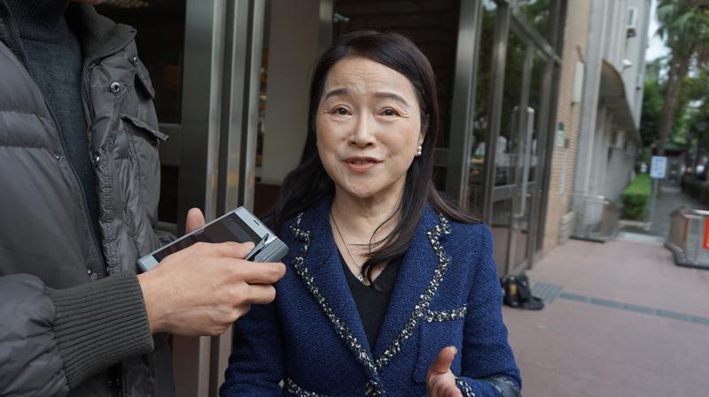 周玉蔻指鴻海董事長郭台銘捐款3億給連勝文,二審遭判賠200萬元及登報道歉。