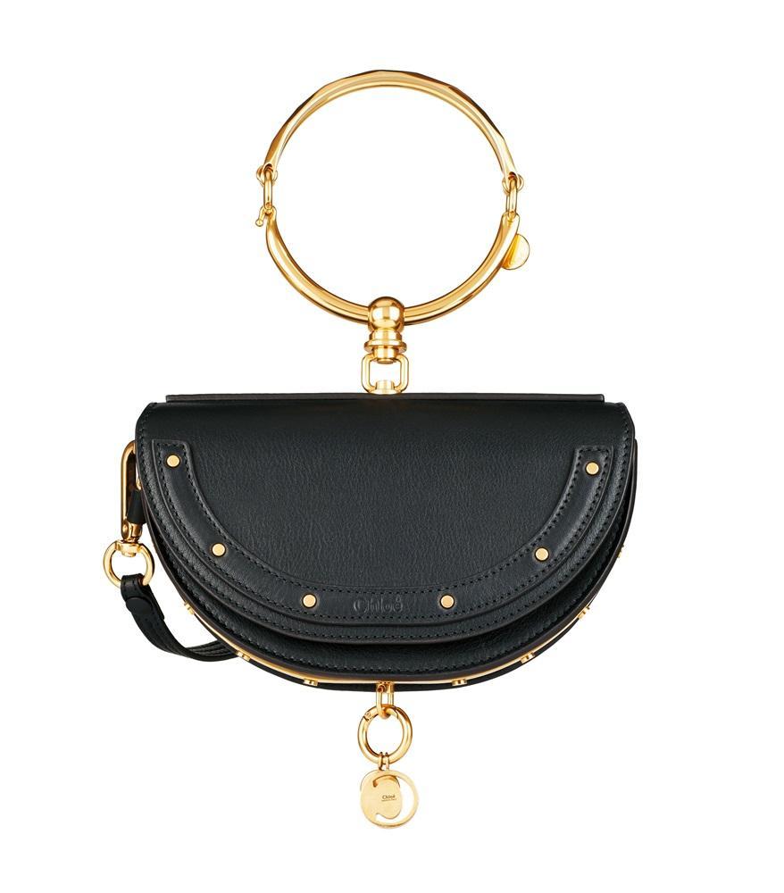 Nile黑色金屬提把光滑小牛皮墜飾小型手包。NT$46,700